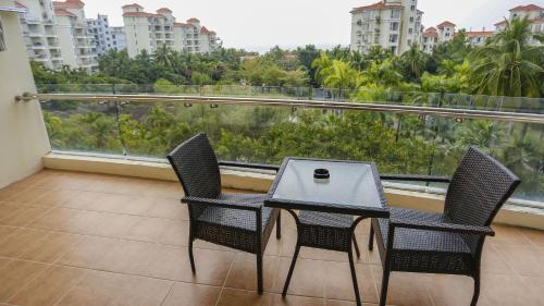 Mainland Chinese Citizens - Three-Bedroom Apartment with Sea View and  Kitchenette