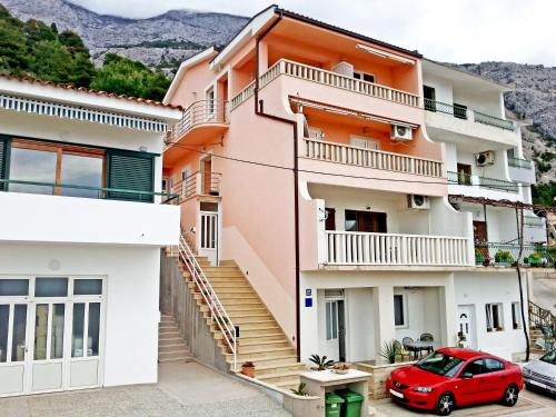 Apartments Emilija Makarska