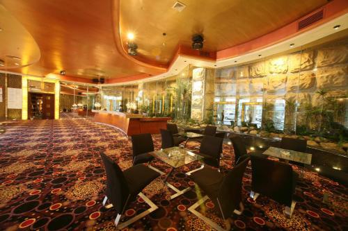 Отель Guangzhou Guanghua Holiday Hotel 3 звезды Китай