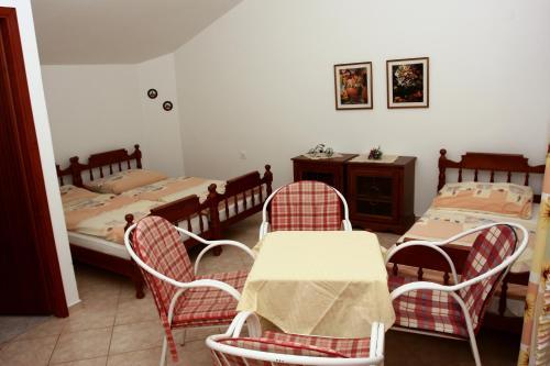 Apartments dom Jadranovo