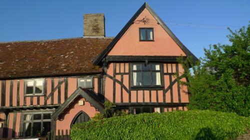 Tudor Farmhouse B&B - Photo 6 of 35
