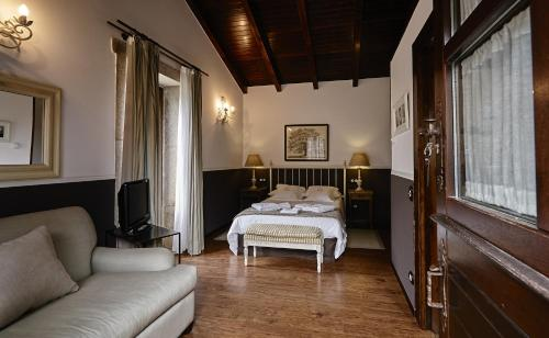 Double or Twin Room - single occupancy Hotel Rustico Lugar Do Cotariño 6