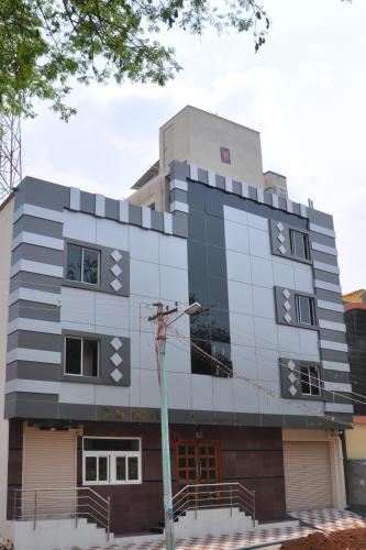 C.M. Hotel front view