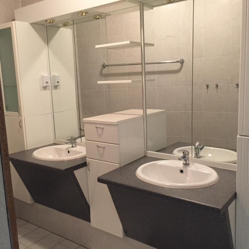 jugend hotel n rnberg in germania gabinohome. Black Bedroom Furniture Sets. Home Design Ideas