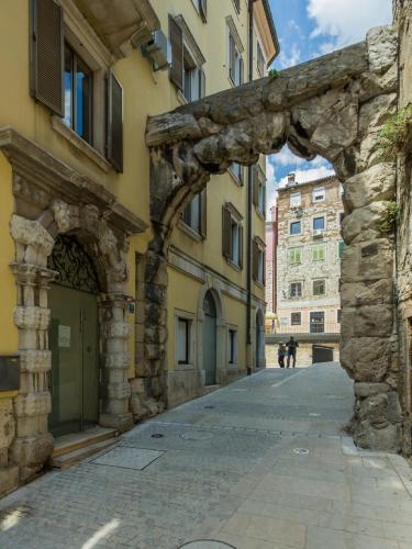 Apartment Arco Romano