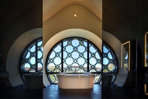 Suite Deluxe Cava & Hotel Mastinell 1