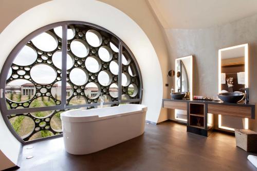 Suite Deluxe Cava & Hotel Mastinell 8