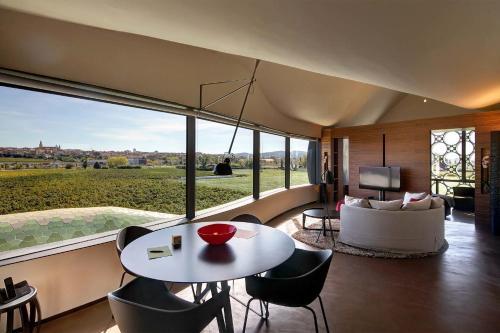 Suite Deluxe Cava & Hotel Mastinell 12