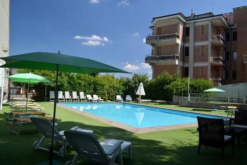 Hotel Santa Chiara front view