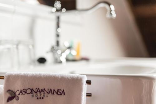 Suite Junior con bañera de hidromasaje Casona del Nansa 8