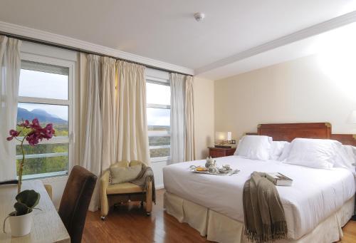 Double or Twin Room with View - single occupancy Casona del Boticario 3