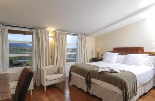 Double or Twin Room with View - single occupancy Casona del Boticario 5