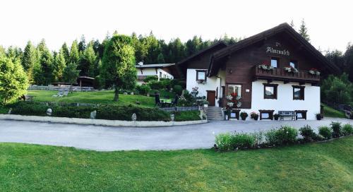 Haus Almrausch - Apartment mit Terrasse