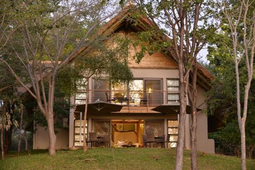 Picture of Victoria Falls Safari Suites