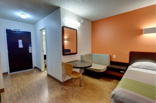 Motel 6 Houston Hobby Hotel