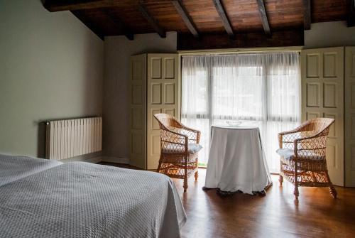Habitación Doble con vistas al jardín - 2 camas Pazo Cibrán 4