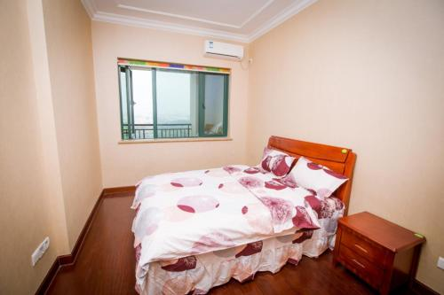 See all 53 photos Huangjia Park Holiday Apartment