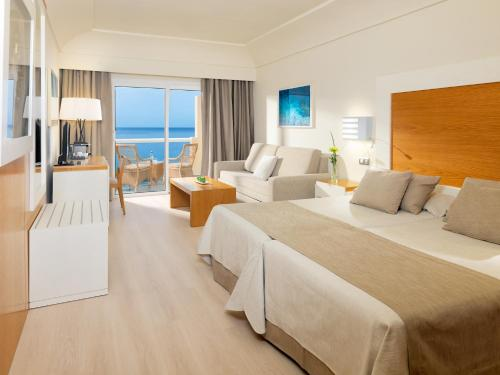 Habitación Doble Premium con vistas al mar (1 adulto + 1 niño) XQ El Palacete 2