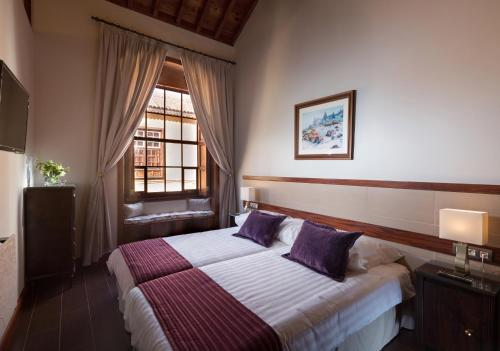 Deluxe Suite Comares - single occupancy MC San Agustin 3