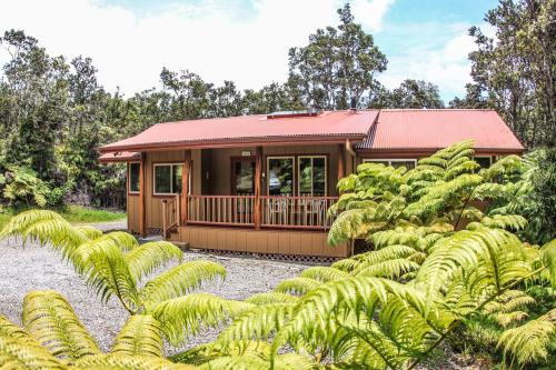 Aolani hale by hawaii volcano vacations volcano puna for Hawaii package homes