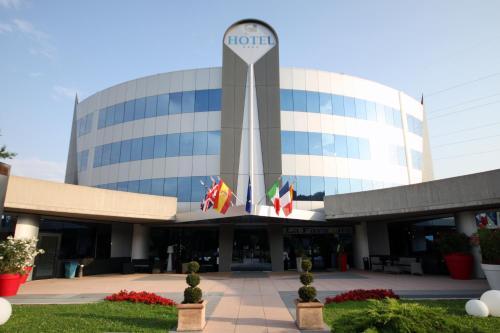 Отель Executive Bergamo 4 звезды Италия