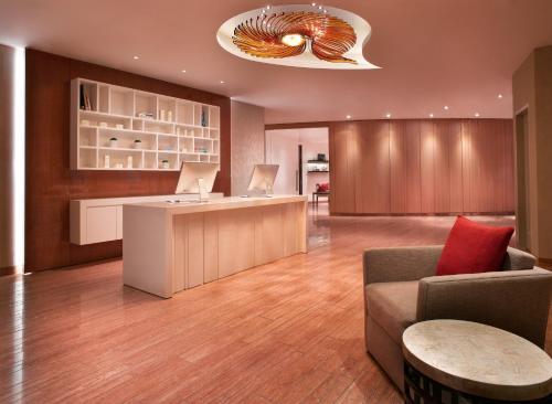 Grand Hyatt Residence photo 20