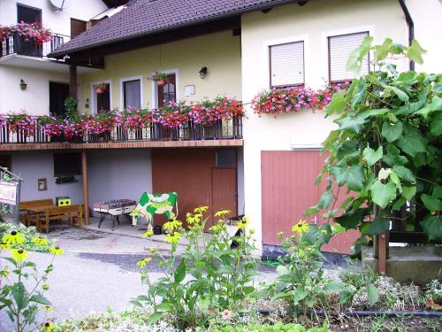 Spezialitätenhof Familie Eichmann - Apartment mit 1 Schlafzimmer - Top 2