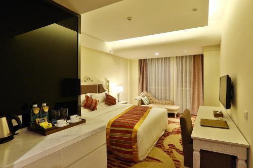 Отель Chengdu Yinchao Hotel 4 звезды Китай