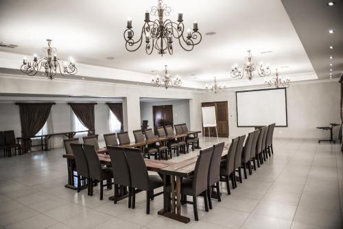 Afrique Boutique Hotel O.R. Tambo