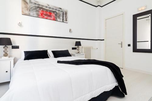 Gran Via 63 Rooms in Madrid