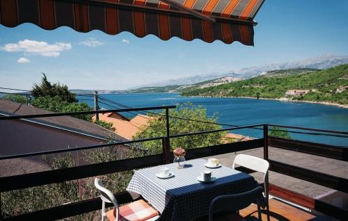 Two-Bedroom Apartment Krusevo with Sea View 02