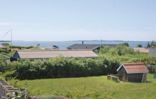 Three-Bedroom Holiday home Ebeltoft with Sea View 05