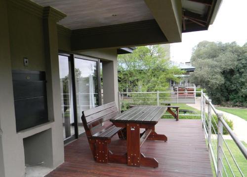 Stonehill River Lodge
