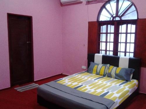 Barkath guesthouse kota bharu jimat di for J bathroom kota bharu