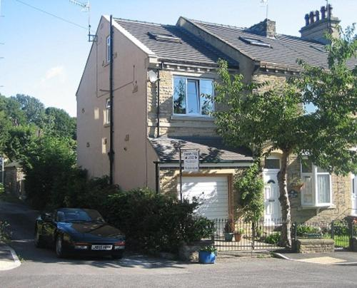 Cherrytree Lodge Guest Accomodation,Bradford
