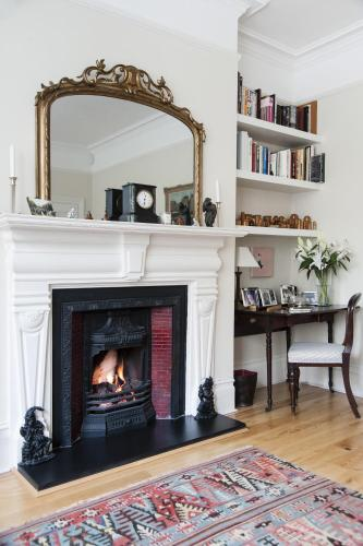 One-Bedroom Apartment - Vicarage Gardens