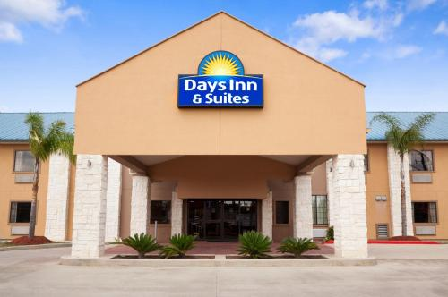 Days Inn And Suites Conroe North Hotel