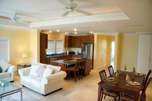 The Hamilton Beach Villas & Spa, Nevis