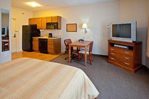 candlewood comforter trail and county stay heritage northern to suites hotels motels elkhart where indiana comfort