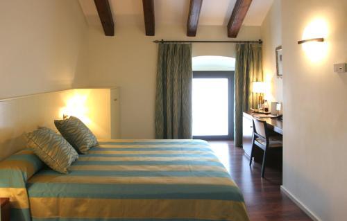 Habitación Doble Estándar Hotel Castell de l'Oliver 1