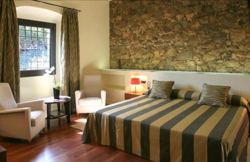 Habitación Doble Estándar Hotel Castell de l'Oliver 3
