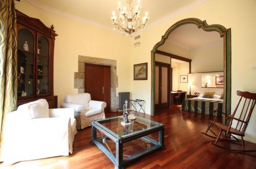Suite Hotel Castell de l'Oliver 5