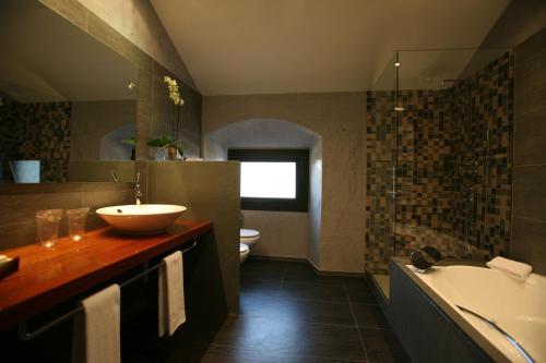 Habitación Doble Superior Hotel Castell de l'Oliver 3
