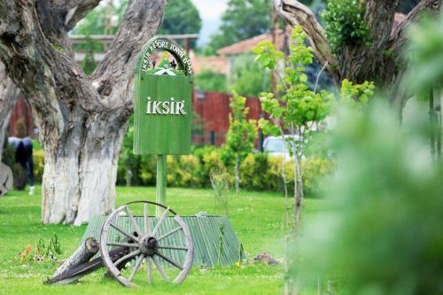 Iksir Resort Town front view