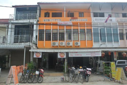 Orange Backpacker Hostel, Vientiane