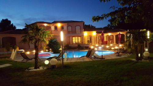 Отель Villa De Cabrieres 0 звёзд Франция