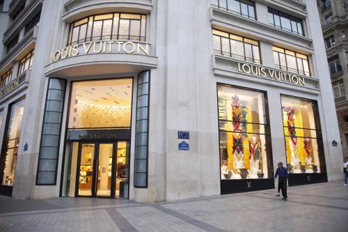 Champs Élysées-Vuitton Apartment