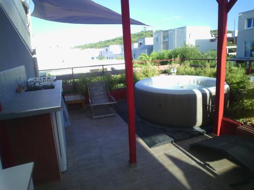 la table de st phane agde ein guide michelin restaurant. Black Bedroom Furniture Sets. Home Design Ideas