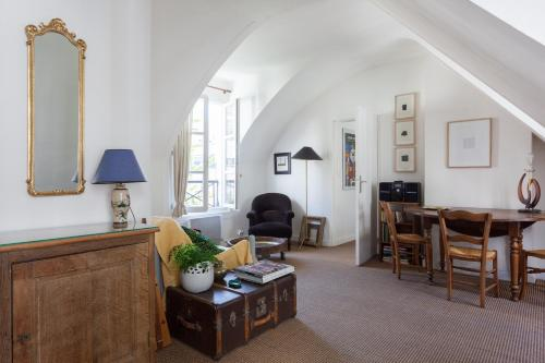 Onefinestay Rue Saint Paul Private Home - 0