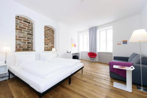 hotel einzigartig das kleine hotel im wasserviertel l neburg germany online reservation. Black Bedroom Furniture Sets. Home Design Ideas